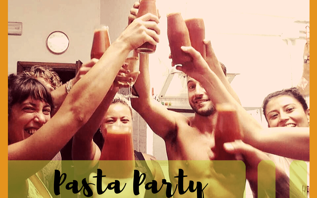Wiki Hostel famous PASTA PARTY!